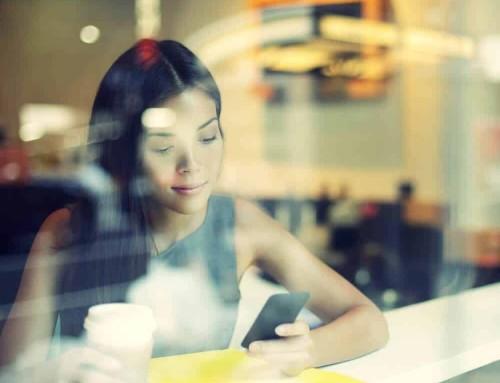 Conheça a relação entre os micro-momentos e a jornada de compra do consumidor